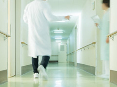 入院患者の夜間対応のため、仮眠時間を設けていますが、その時間に対する賃金は支払わなくてはならないのでしょうか。