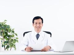 医師及びスタッフの写真を掲載したほうが良いでしょうか?
